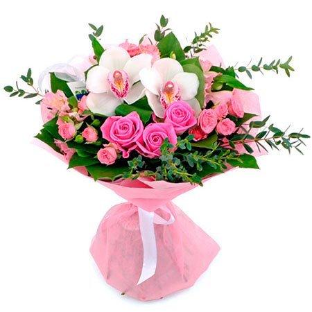 Микс из розовых роз, альстромерий и белых орхидей