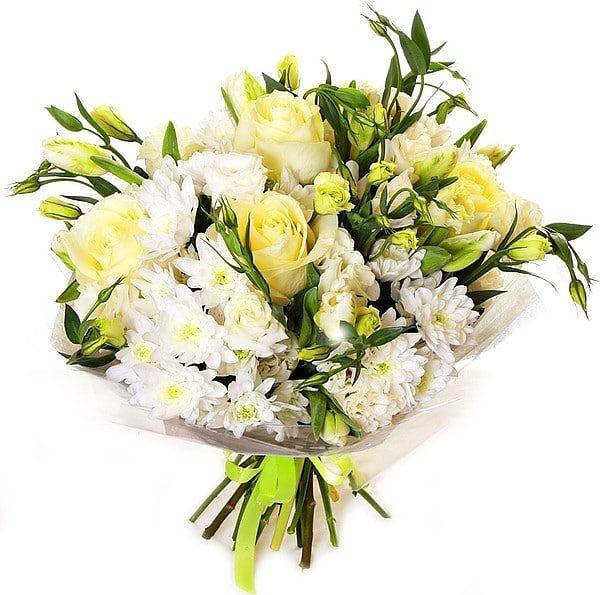 """Букет из белых хризантем, роз и эустом """"Пломбир"""""""