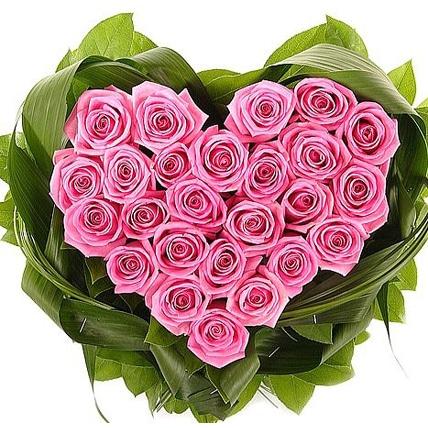 Сердце из розовых роз